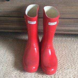 HUNTER RAIN BOOTS worn once! Classics